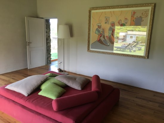 Zafferana Etnea, Italy: First room/suite. Uncomfortable couch on floor is only sitting opportunity.