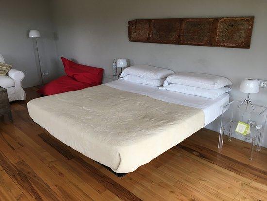 Zafferana Etnea, إيطاليا: Second suite bedroom.