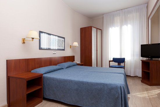 Hotel peninsular r m 4 4 0 rm 417 updated 2018 for Hotel peninsular girona