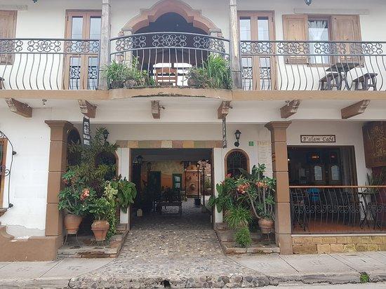 Yat B'alam Boutique Hotel: IMG_20170621_092810876_large.jpg