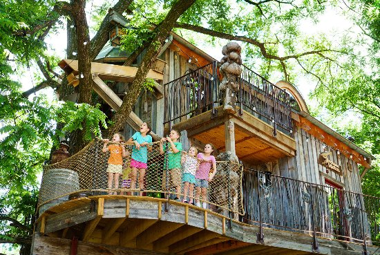 Lampe, MO: The treehouse at Dogwood Canyon Nature Park