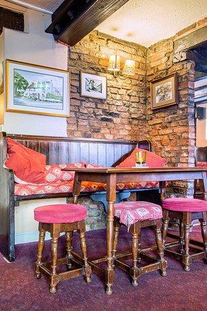 The Bay Horse Inn: Bar area