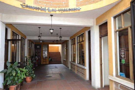 Сантьяго-Атитлан, Гватемала: Cojolya Museum and Store (entrada)