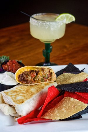 มาโลน, นิวยอร์ก: Margaritas and burritos are always making an appearance on our specials menu.