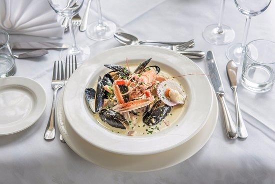 Lochgilphead, UK: Dining at The Westward Restaurant at The Crinan Hotel, Argyll, Scotland