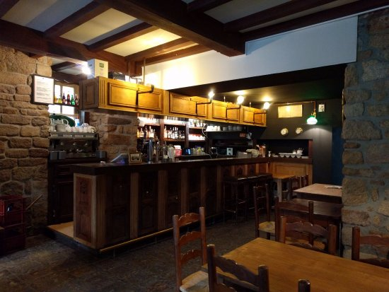 Locronan, Frankreich: Barra del bar