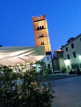 Altopascio, Italy: vista dai tavoli esterni