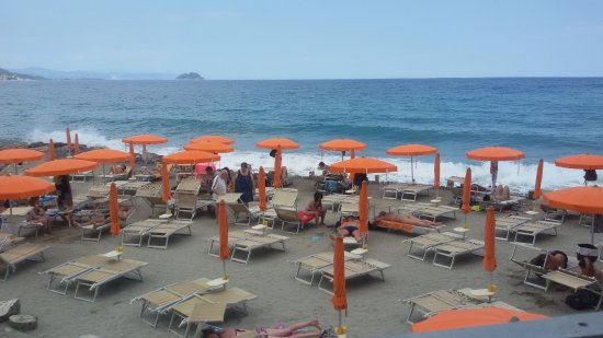 la spiaggia - Foto di Bagni Capo Mele, Laigueglia - TripAdvisor