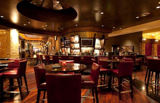 Lincoln, CA: High Steaks Steakhouse Bar