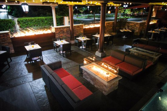 Lincoln, Californië: High Steaks Steakhouse Patio