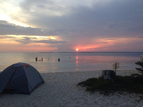 Caye Caulker, Belize: Camping out on Rendezvous Caye