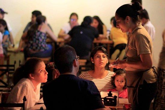 Gracias, Honduras: Servicio