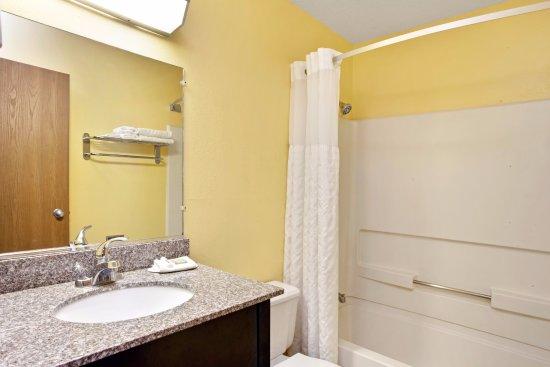 Romeoville, Ιλινόις: Guestroom Bathroom