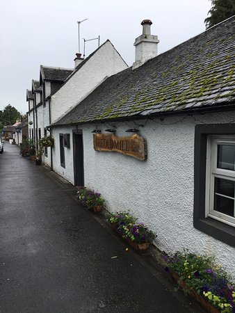 Killearn, UK: Outside the Old Mill pub.