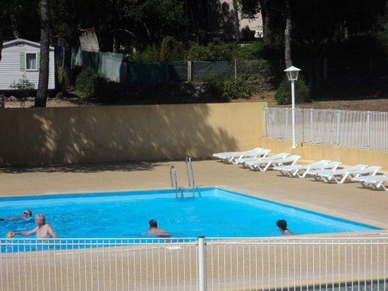 Saint-Maximin-la-Sainte-Baume, Frankrike: piscine