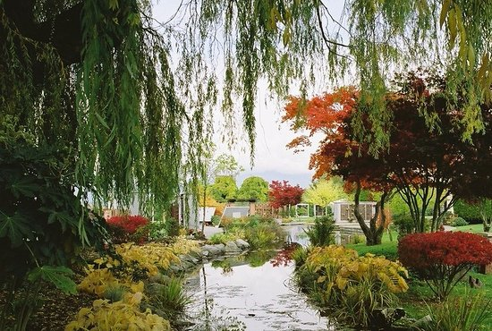 Burnaby, Canada: Forest Lawn Memorial Park
