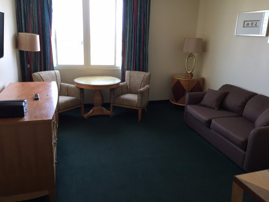 Bolero Resort: Living room with flat screen TV