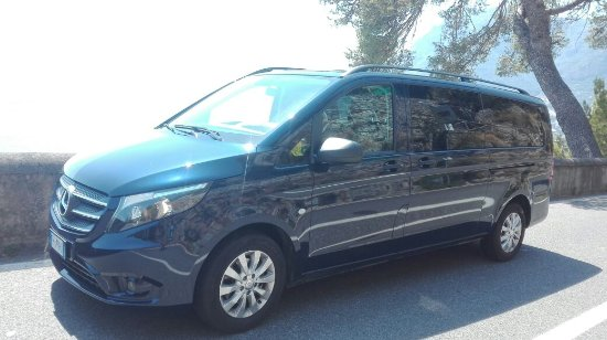 Praiano, Italië: Luigi Fusco shuttle limousine service private tour & transfers in Amalfi coast !