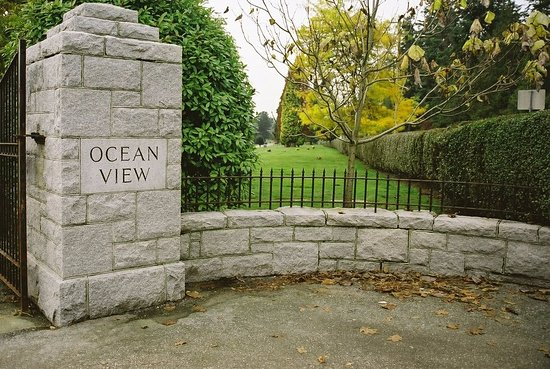 Burnaby, Kanada: Ocean View Funeral Home & Burial Park