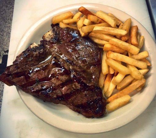 Brewster's Restaurant : T-Bone steak with French fries