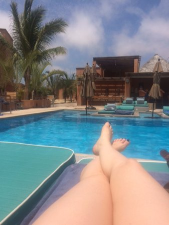 Rancho Pescadero: Lounging by the pool