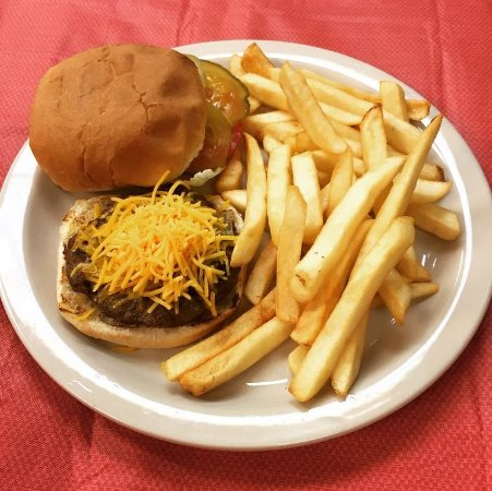 Chalmette, LA: Baby burger with fries