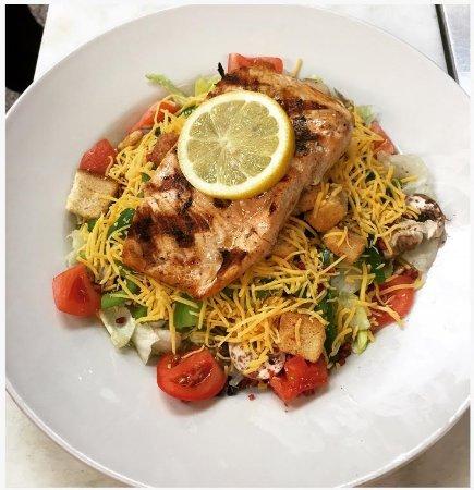 ชัลเมต, หลุยเซียน่า: Salmon salad