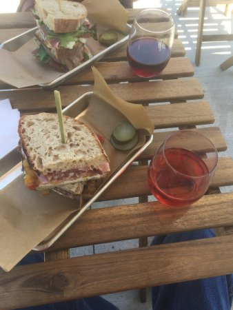 Weston, MO: Great sandwich with Mead and Wine