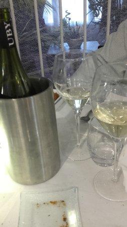 Ternay, Frankrike: Une bonne bouteille