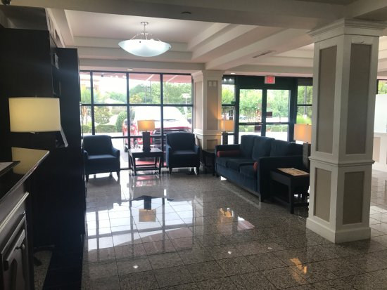 Tucker, Geórgia: Lobby Sitting Area