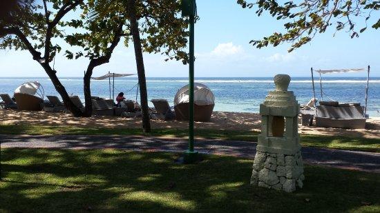 The Westin Resort Nusa Dua: Enjoy the breeze at the beach