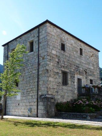 Moggio Udinese, Italie: Torre Medievale - Palazzo delle prigioni