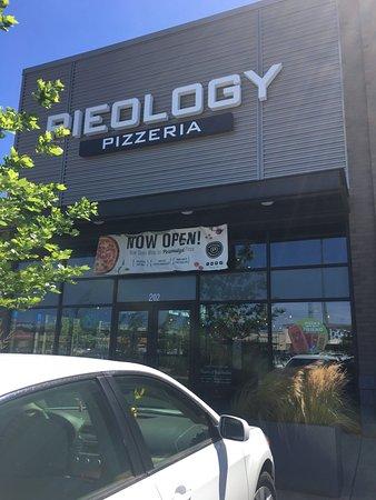 Springfield, Oregón: Pieology Pizzeria