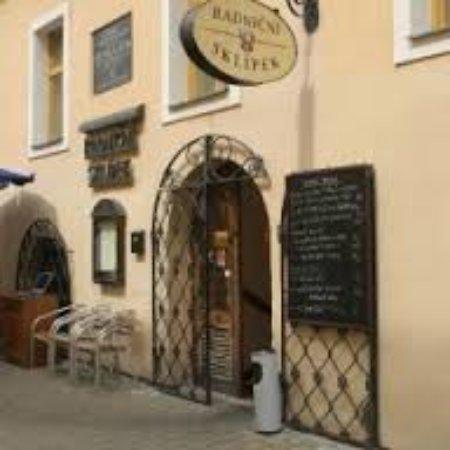 Kromeriz, Czech Republic: images (7)_large.jpg