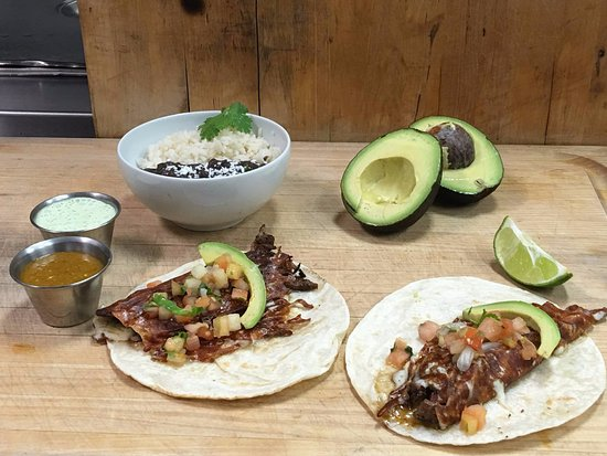 Gainesville, Gürcistan: Our most popular menu item, The carne asada tacos served with rice and beans!