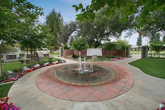 Glendora, Kaliforniya: Oakdale Mortuary & Memorial Park