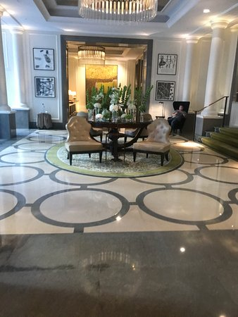 Corinthia Hotel London: Foyer area