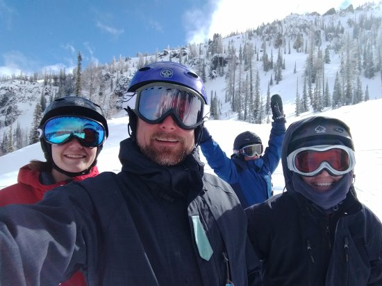 Mission Ridge Ski and Board Resort: One of the sunny days with the family
