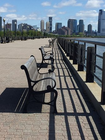 Liberty State Park: benches, promenade, and Manhattan views