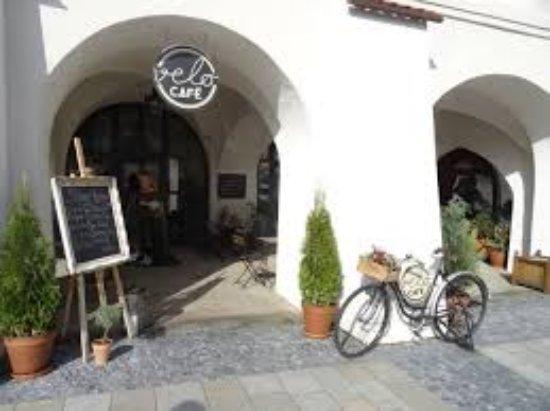 Kromeriz, Czech Republic: images (4)_large.jpg