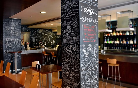 Villena, Spain: Zona de barra