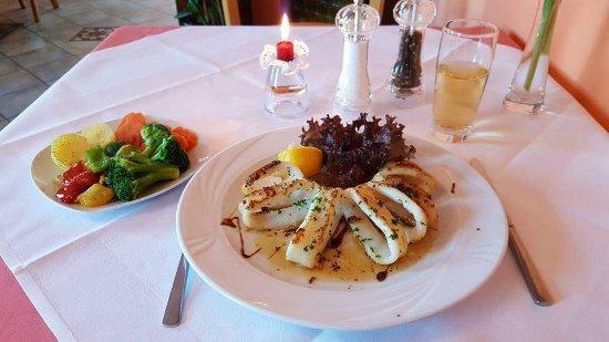 Limburgerhof, Tyskland: Calamari vom Grill