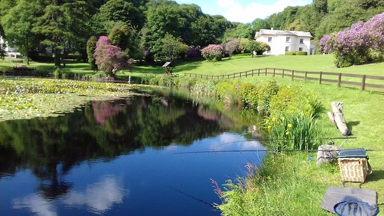 Rosecraddoc Manor: Time for a spot of fishing.