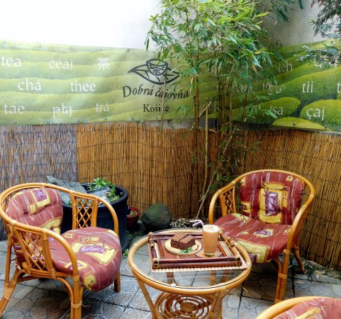Kosice Region, Slovaquie : Letná čajová záhradka - Summer tea garden
