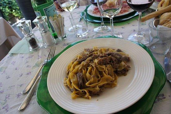 Grazie, Italië: Pappardelle con l'anitra!! Fantastiche!!