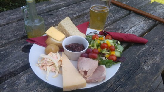 Churchill, UK: Ploughman's Lunch