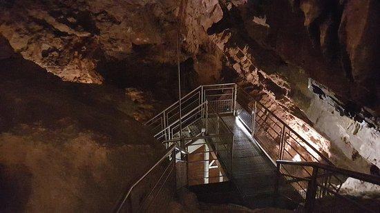 Lokve, Kroatia: Inside of the cave