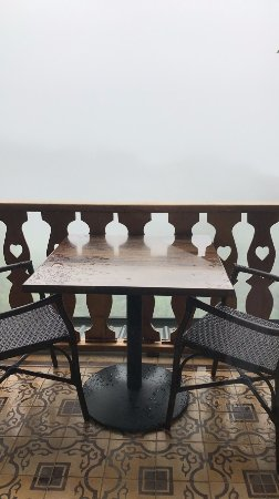 Hotel Belmar: Went in rainy season - this may look like a bad view but it was the coolest feeling!