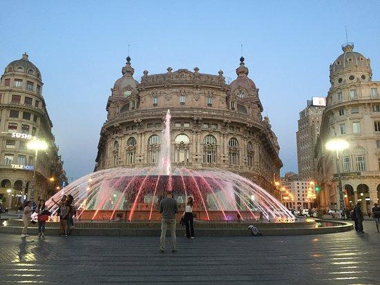フェッラーリ広場