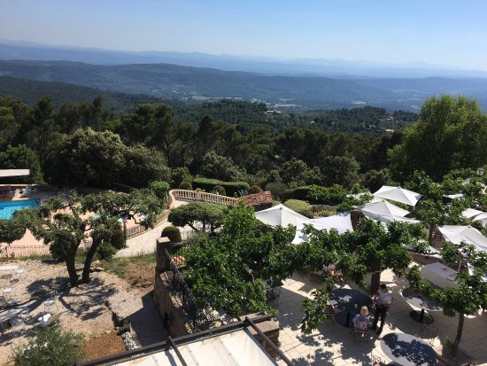 La Bastide de Tourtour is so well situated overlooking the National Park, a 5 minute walk to the